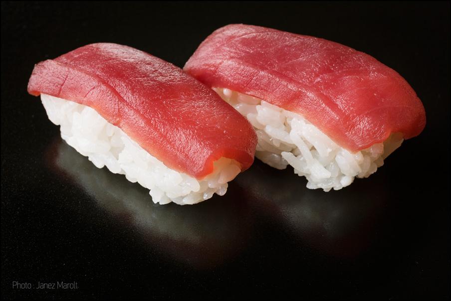 japonska hrana-sushi-Nigiri s tuno