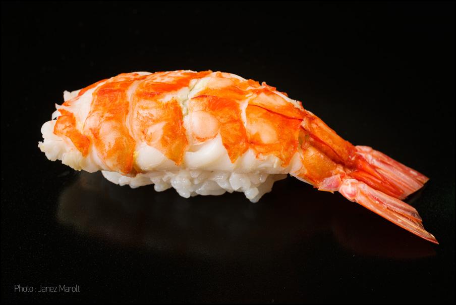 japonska hrana-sushi-Nigiri z rakci